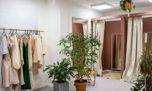 6 Fitting Room Mistakes Most Girls Make