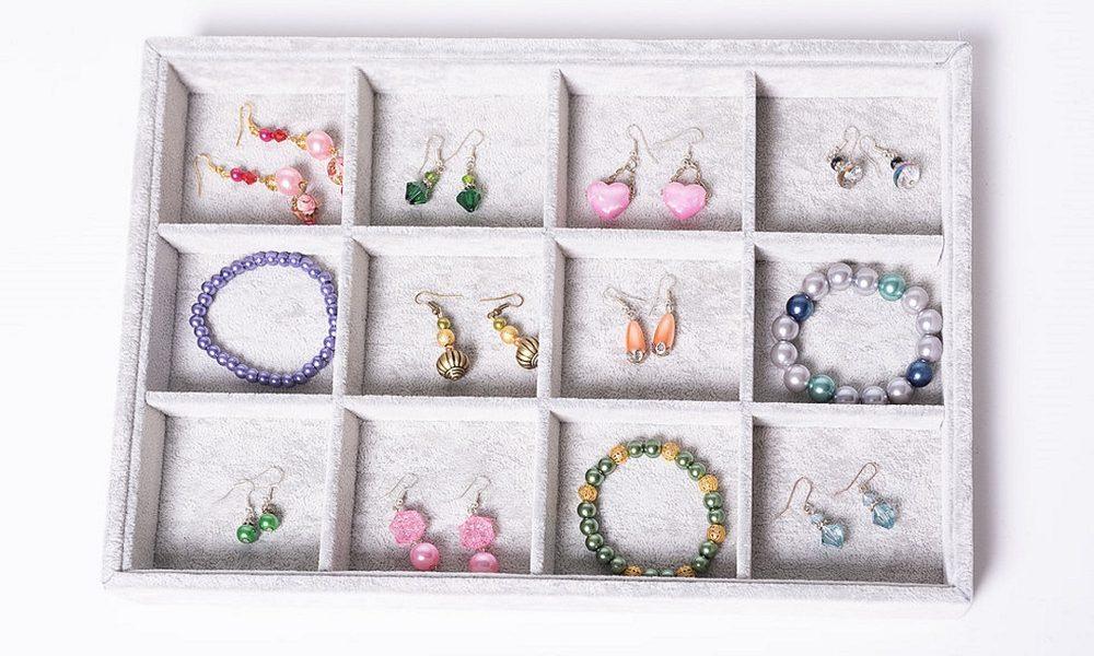 woman's jewellery box